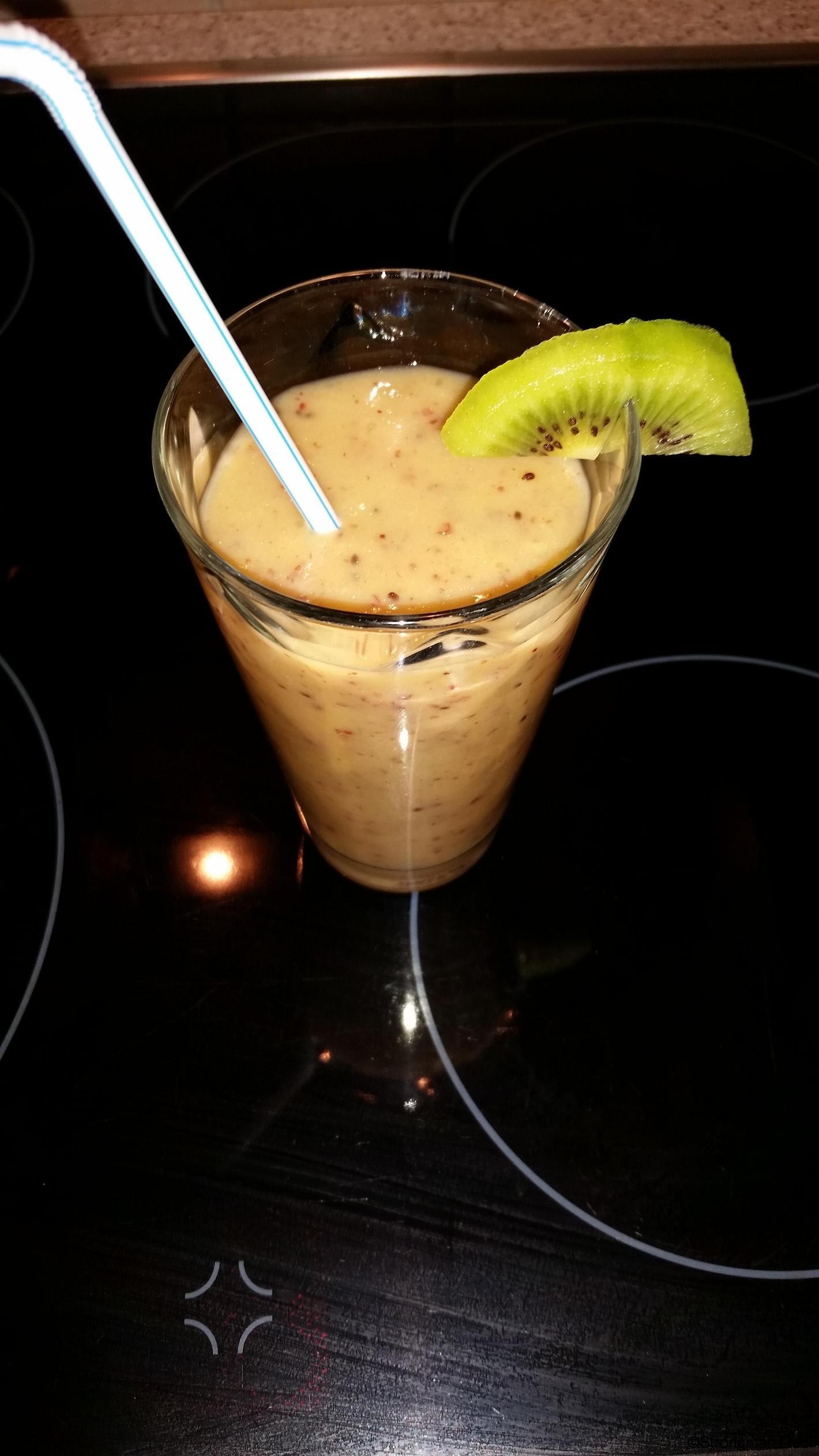Mango-Banane-Kiwi Smoothie